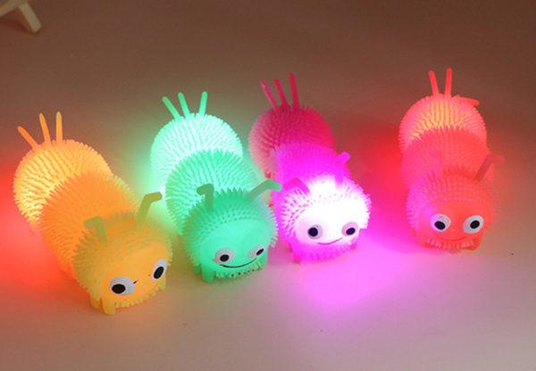 """Резиновая игрушка """"Гусеница"""" со светящимся шариком внутри от производителя"""