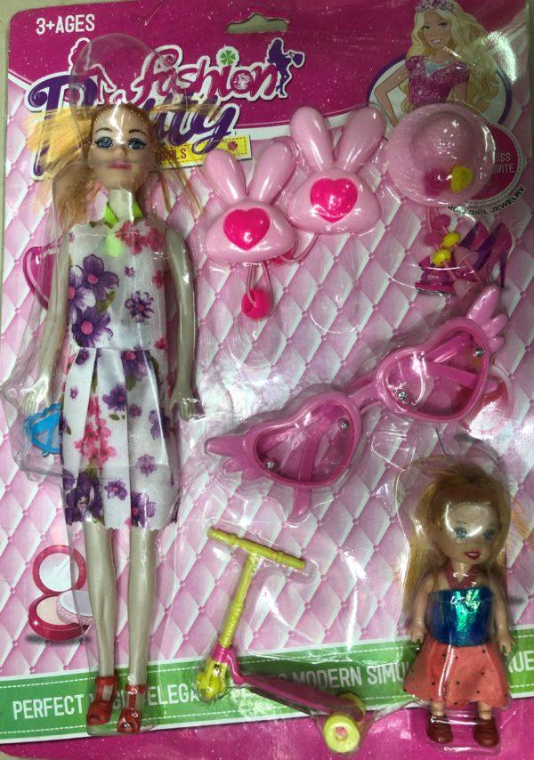 Кукла «Мама с дочкой на прогулке» (7 предметов) оптом
