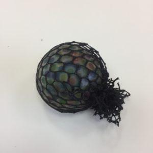 Мялка с гидрогелем «Цветик» в черной сетке оптом