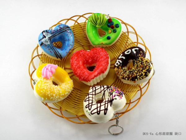 Сквиш «Пончик-сердце» оптом